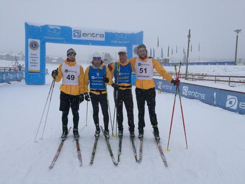 V cíli biatlonového závodu